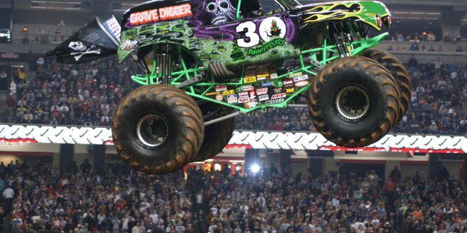 Monster Truck Wallpaper 003311 With Images Monster Trucks