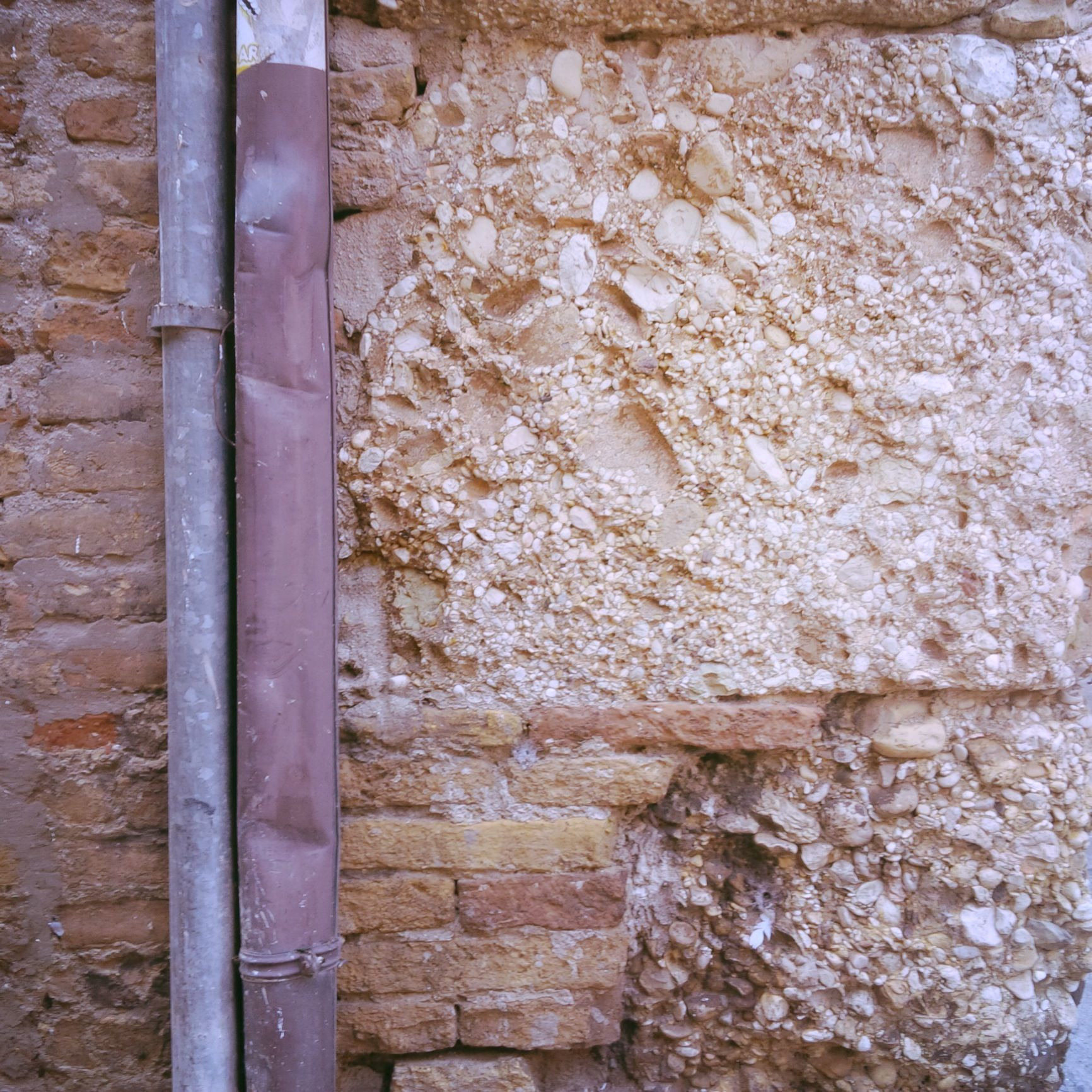Detail Fermo Stripe Festival art and architecture | wall | rampart | stone |
