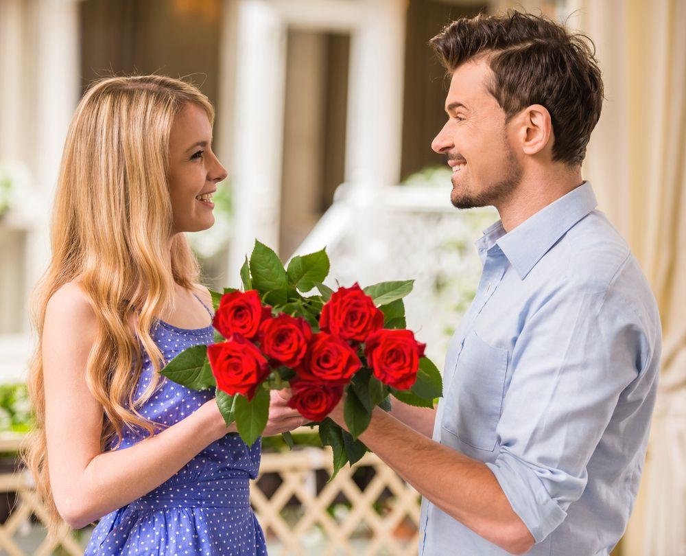 Rote Rosen schenken mit Rosengrussch  Jetzt Rosen