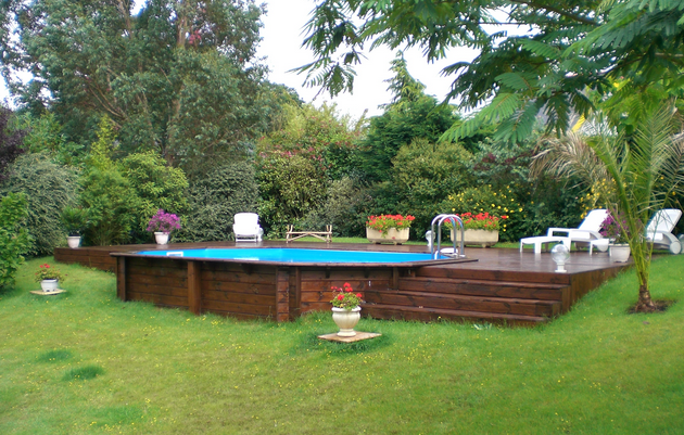 Piscine en bois semi enterr e piscines pinterest for Piscine semi enterre en bois