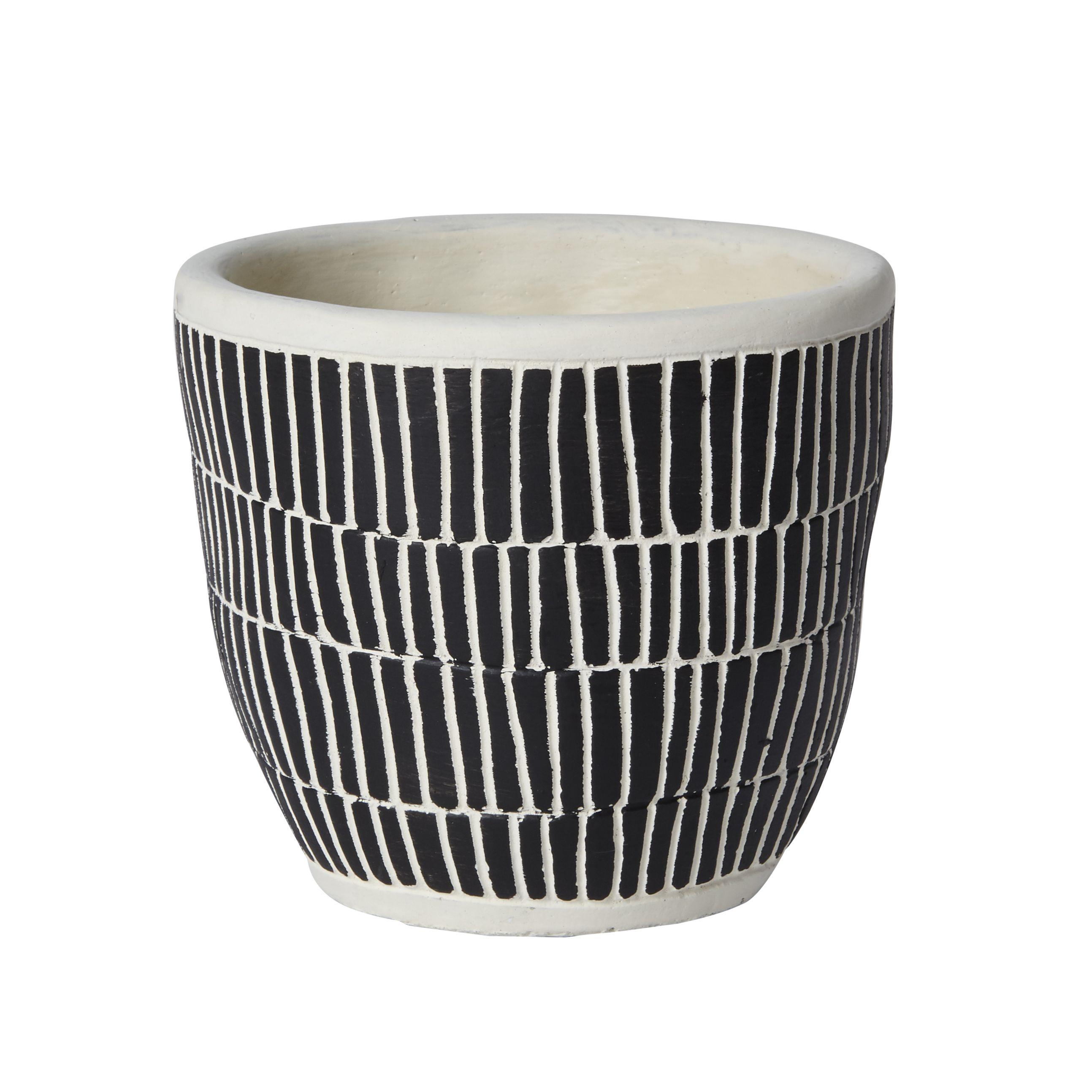 Craquez Pour Ce Joli Cache Pot Mosaique En Ciment Bicolore Noir Et