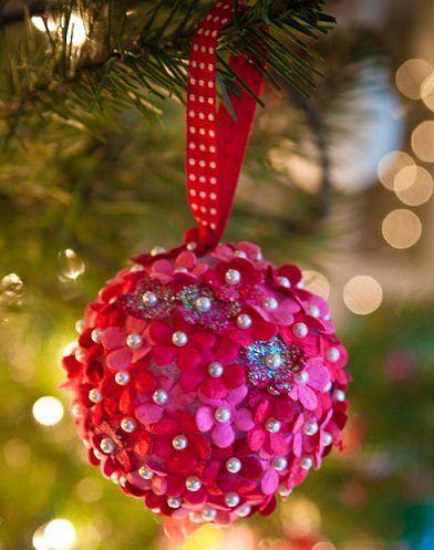Adornos de navidad flores de fieltro manualidades for Bolas navidad fieltro