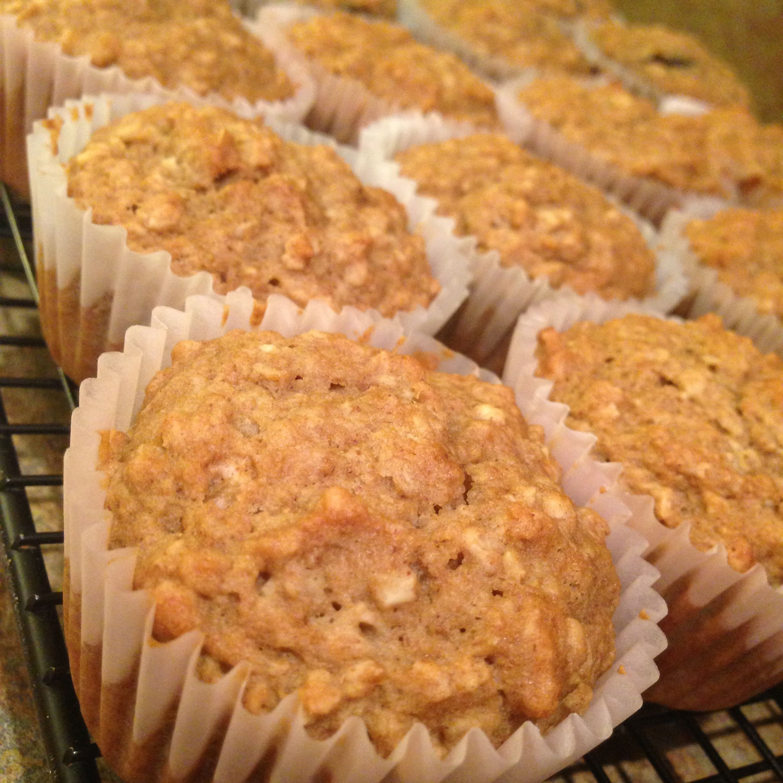 recipe: applesauce-oat muffins [8]