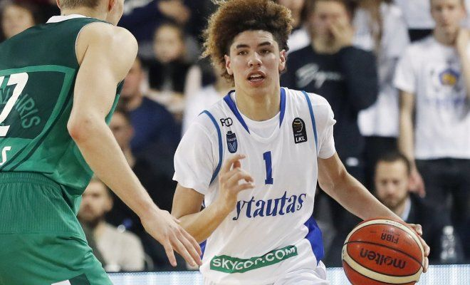 Lamelo Ball Hoping To Be The First Pick In The 2020 Nba Draft Lamelo Ball Sports Basketball News