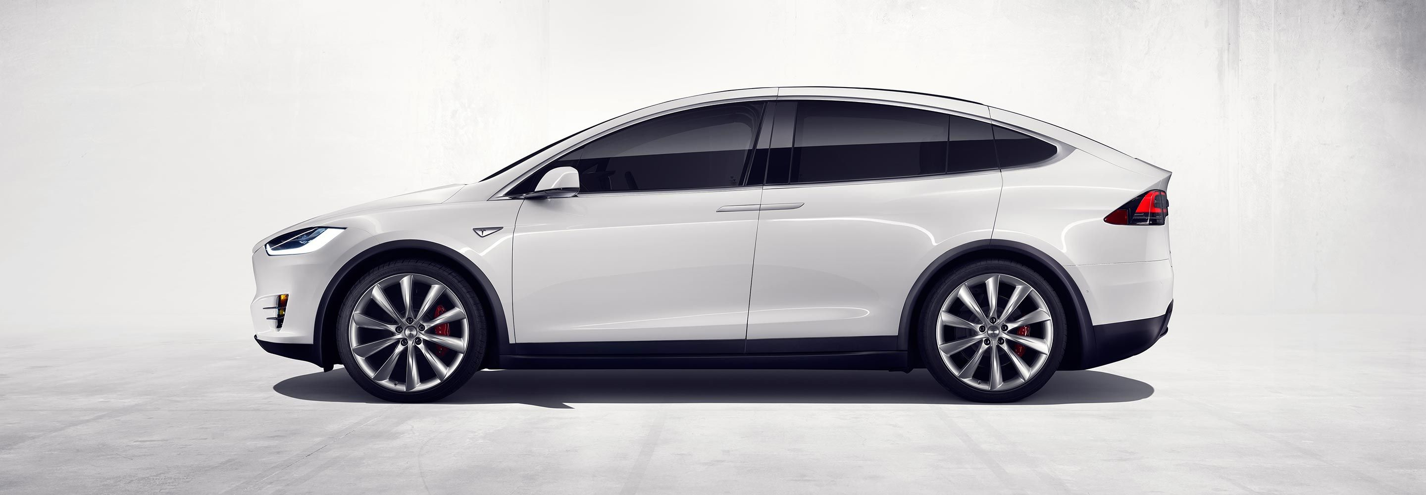 Design of car model - Tesla Model X Makes Grand Entrance Wows With Features Cf Blog