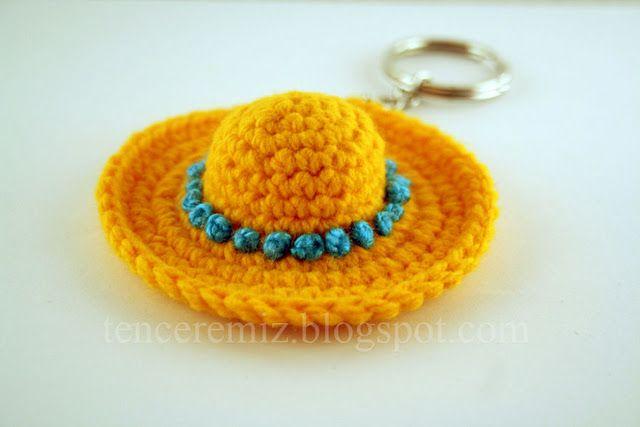 mini crochet hat