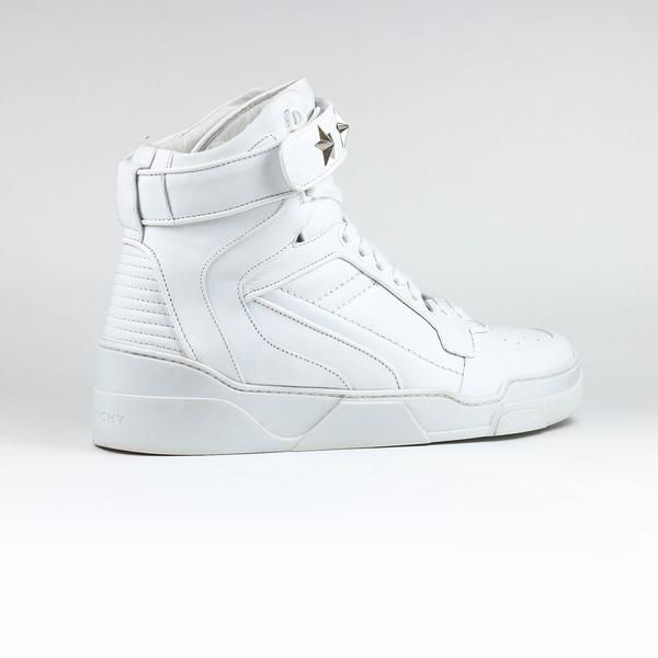b35f07a9152 COLOUR  White COMPOSITION  Leather Round toe