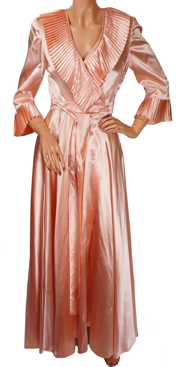 afcae6b0ea4 Vintage Peignoir 1940s Pink Satin Dressing Gown - S in 2019 ...