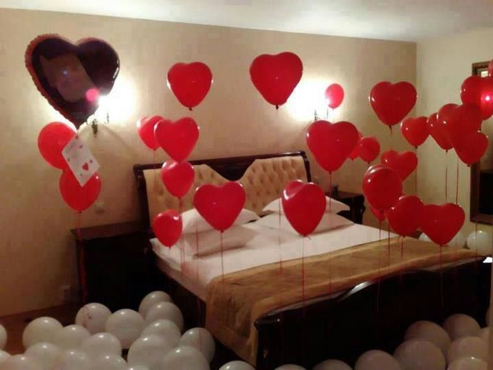 Cute Bedroom With Heart Balloons Romantic Room Decoration Valentine Decorations Romantic Decor
