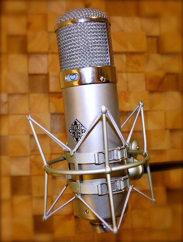 Telefunken U47   Audio Tech   Music recording studio, Microphone