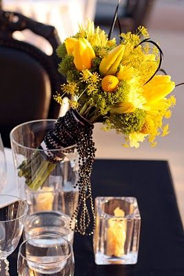 Chic yellow bouquet with black accessories/Passion Roots /  Photo by What a Day Photography/ http://www.seasonsoflifeevents.com/