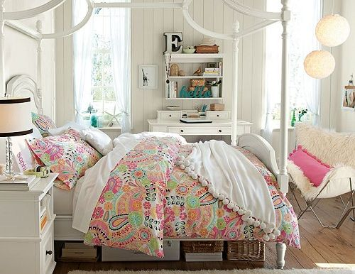 Teenage Girls Bedroom Ideas Using Pisley Coraline Bedding With