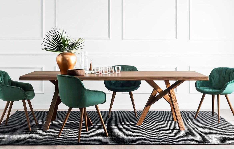 Jungle Ist Ein Solider Tisch Mit Einem Frischen Design Und Passt Dadurch Perfekt In Jedes Moderne Ambiente Holztisch Design Rustikaler Esstisch Esstisch Modern