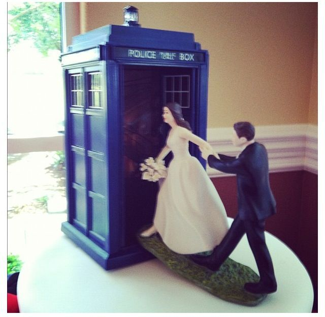 A Friend Of Mine Djs For Weddings This Is Doctor Who Wedding Cake Topper At Recent He Did