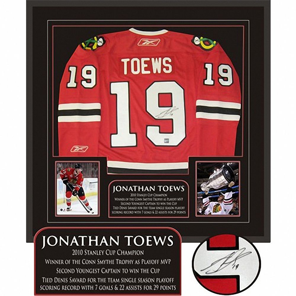 Frameworth Jonthan Toews Signed Framed Red Replica Blackhawks Jersey   53-850 Framed Jersey 03b482024