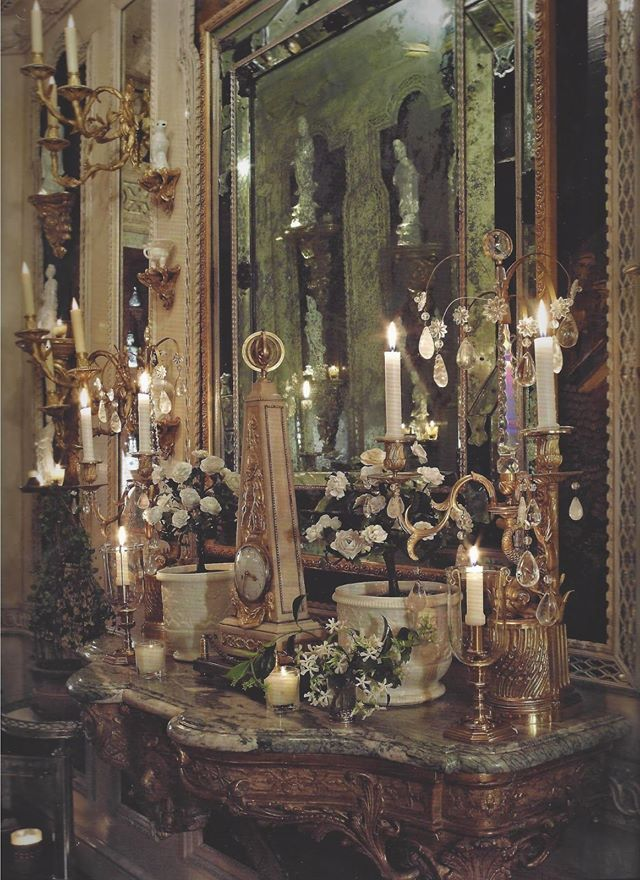 The entry hall in Howard Slatkin's NY apartment. From his book, 'Fifth Avenue Style.'