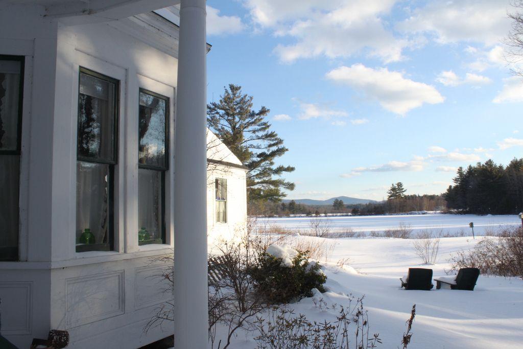 Untitled Window sill, Photo