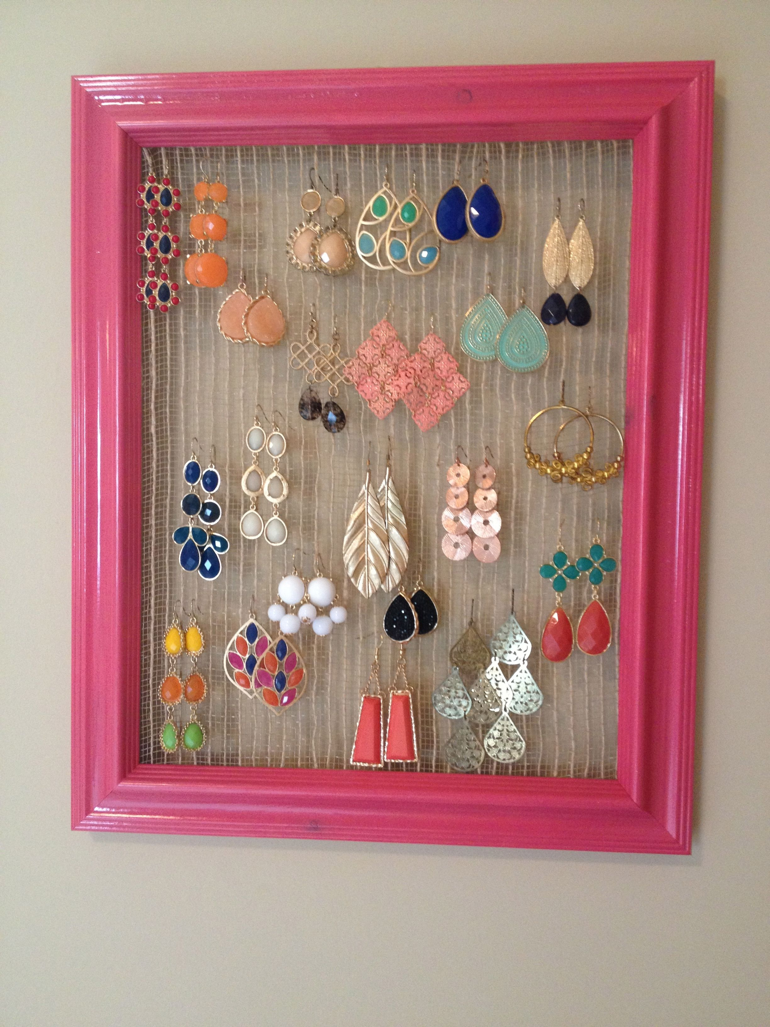 Diy Earring Holder  Wire Mesh, Staple Gun And Frame Tip: Spray Paint
