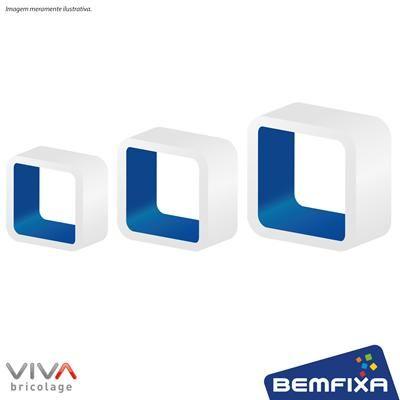 Kit com 3 Cubos Brancos e Azuis em MDF de tamanhos diferentes e bordas arredondadas, para você deixar o ambiente com seu estilo.