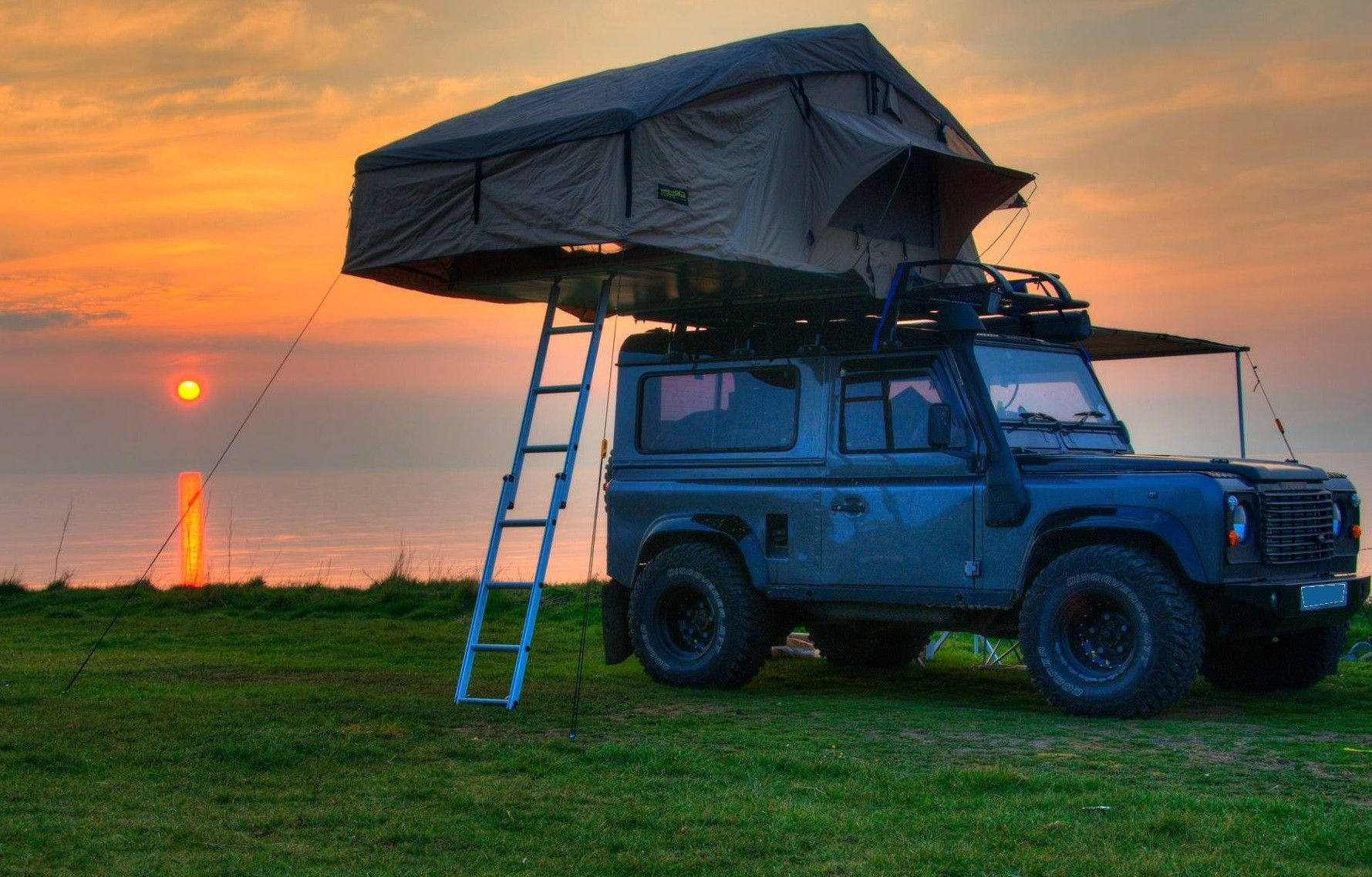 Vehicle & 4x4 Roof Tent the Ultimate Expedition Experience - Large Roof Tent ...