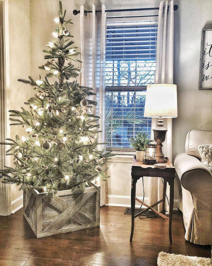 6' King Noble Fir Artificial Christmas Tree With 400 Warm