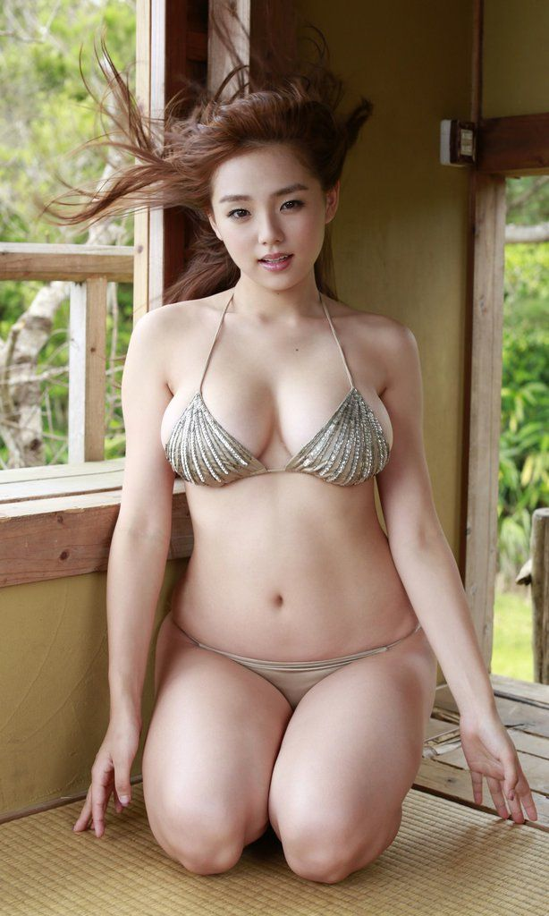 wide hips women with Asian