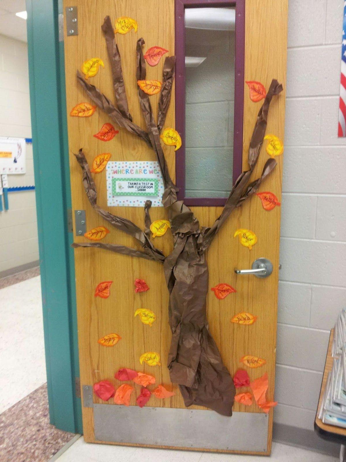 Thanksgiving Door Decoration Idea