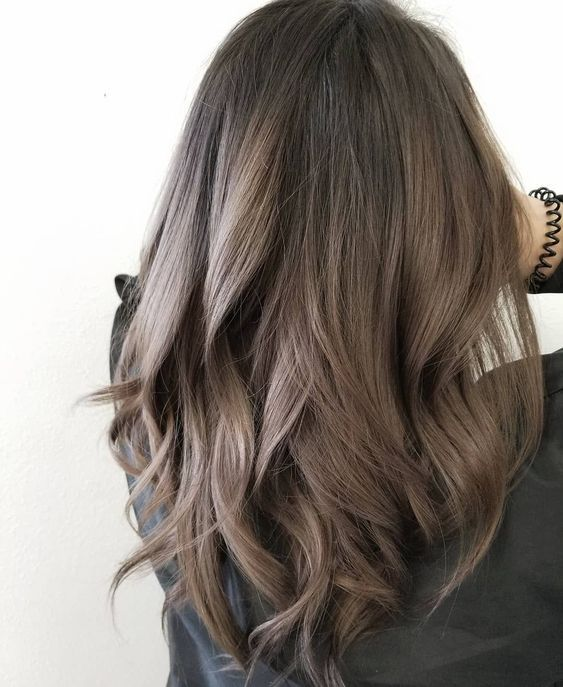 Medium Length Wave Hair Is Perfect For Every Woman No Matter Your Face Is Round Or Square Or Whatever Your H Hair Styles Long Hair Styles Brown Hair Balayage