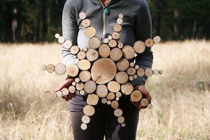 Feitos com troncos de árvore.