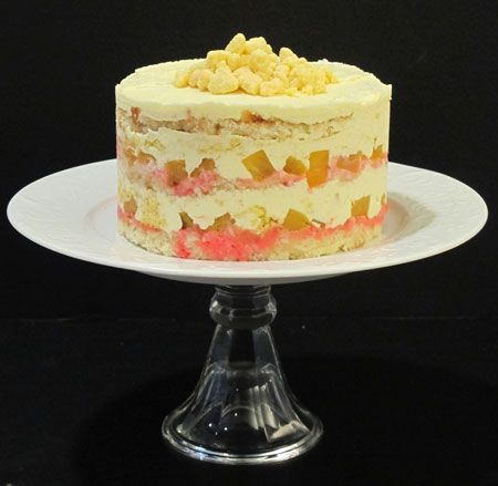 Momou Milk Bar S Retro Pineapple Upside Down Wedding Cake Cake
