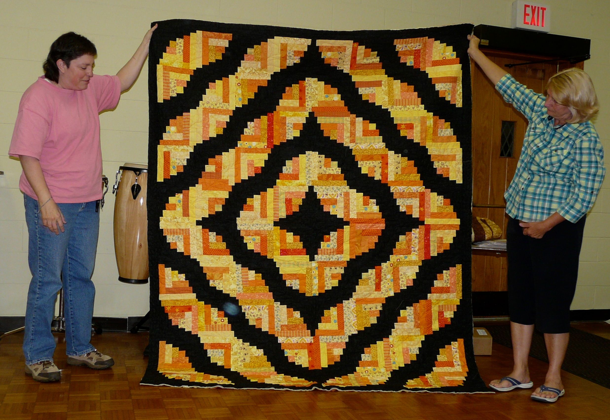 Curvy Log Cabin quilt   Quilting   Log cabin quilts, Quilts, 3d quilts