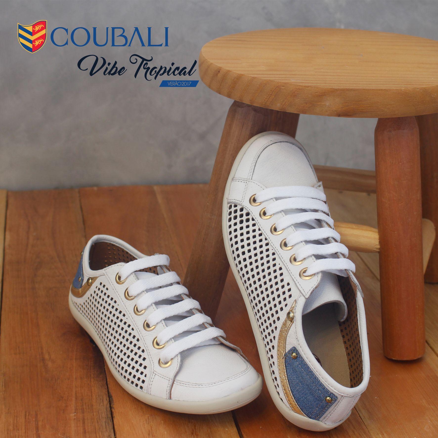 Sapatênis feminino branco com detalhes em jeans e dourado, lindo super confortável combina com looks modernos e jovem. Vendas na loja ou pelo whatsapp