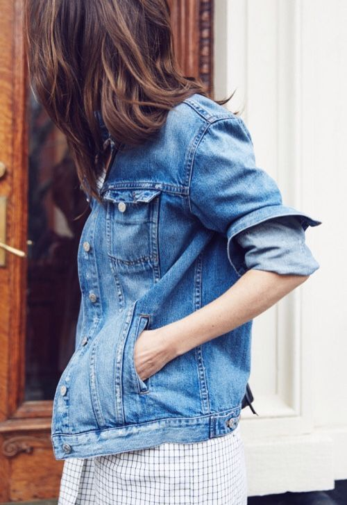eac72c0acf9 Roll up the sleeves on your denim jacket. | StyleGameStrong ...