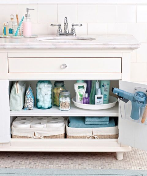How To Organize A Small Bathroom 17 easy bathroom organizing ideas | door rack and towels