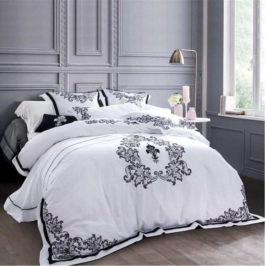 Luxury White Embroidered Bedclothes Egypt Cotton Bed Set 5 Star