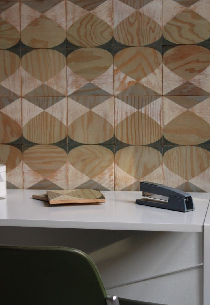DIY Walls Tiles for Commitment Phobes - paredes de madera