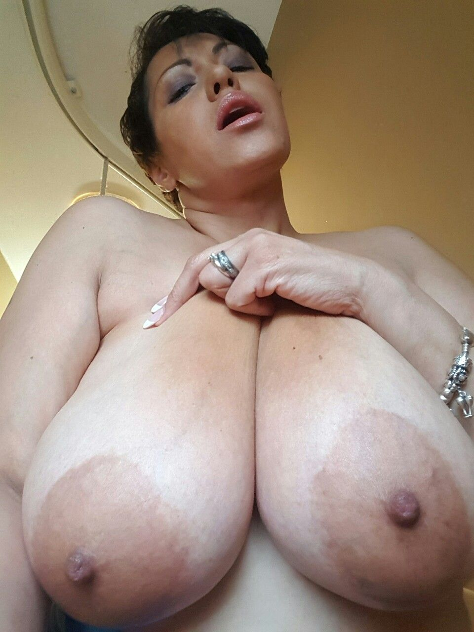 Nude pussy shaved