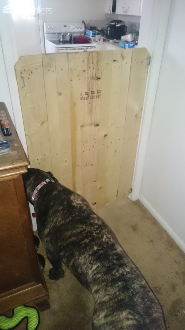 #Kitchen, #PalletFence, #RecyclingWoodPallets After adopting a third dog, sometimes changes have to happen. Our new addition has proven to prefer the things scavenged from my kitchen cabinets, and the cupboards, and stove. I decided to attempt to build aPallet 4-Legged Baby Gate/Door to my