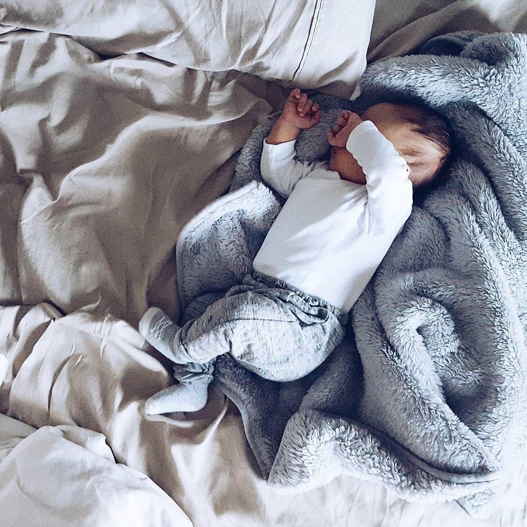 фотосессия со спящим актриса быстро дала