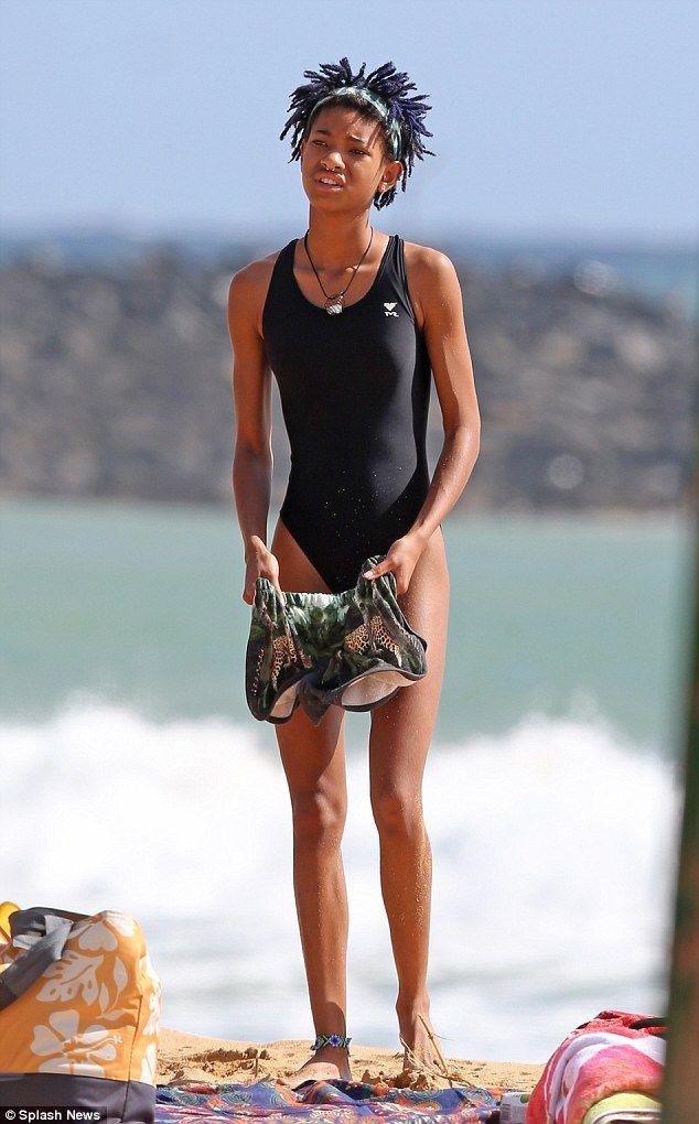 Jada Pinkett Smith shows off pert posterior in skimpy