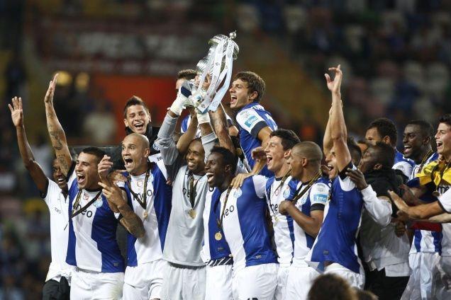 O bicampeão arrancou a época 2012/13 com um troféu