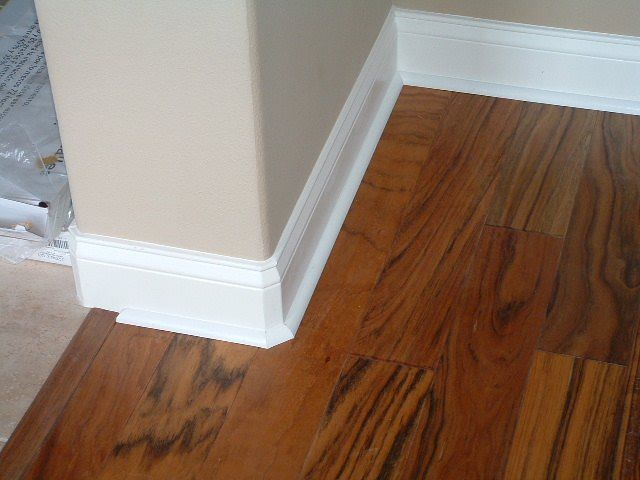 Installing Quarter Round On Round Corners Floor Trim How To Install Baseboards Floor Moulding