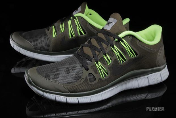 NIKE FREE 5.0 SHIELD DARK LODENVOLT