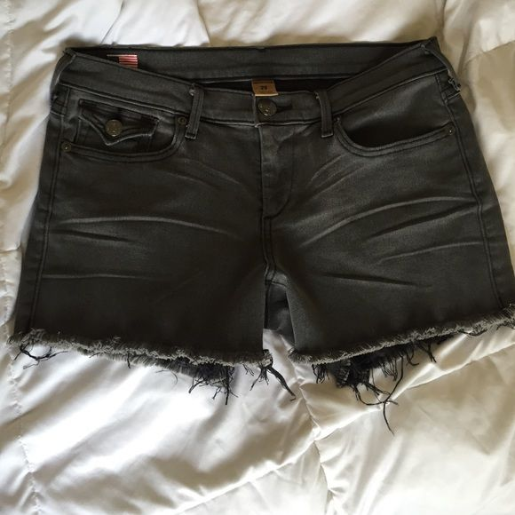 True religion black cut off shorts Got this as a gift but unfortunately, it doesn't fit  stretchy Jean material. Would be perfect with a distressed vintage tee for a casual look. True Religion Shorts Jean Shorts