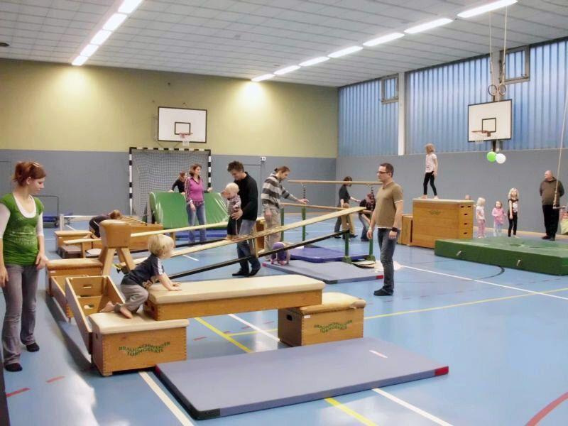 Kasten Parcour Sport Bewegung Tv Kinderturnen