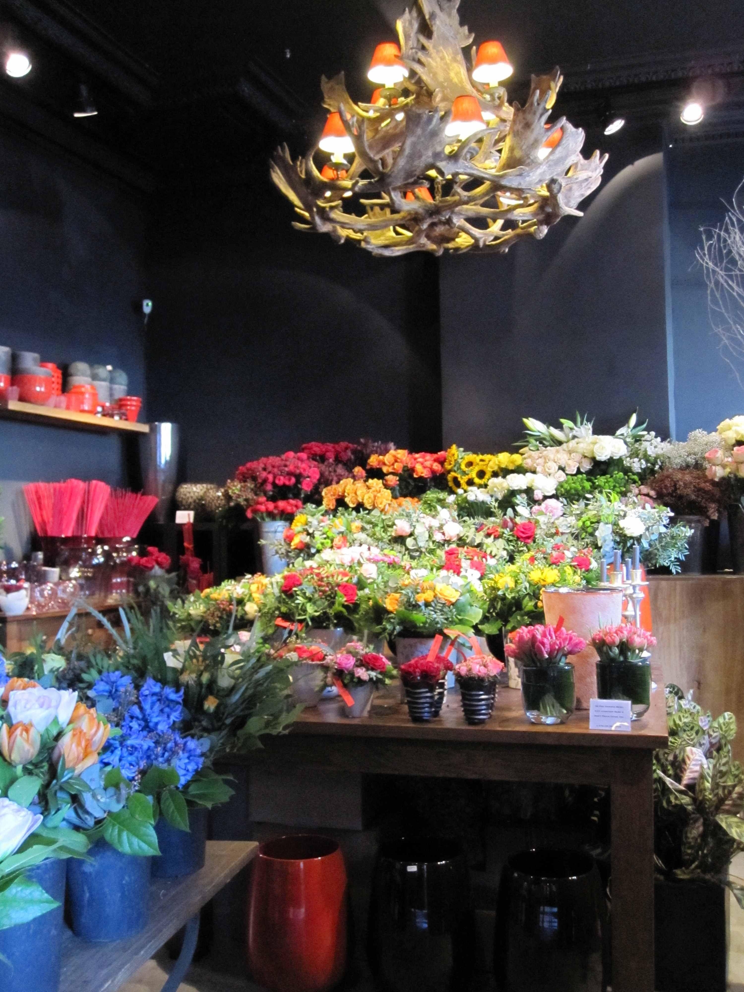 Flamant interiors florist place du grand sablon brussels flower flamant interiors florist place du grand sablon brussels izmirmasajfo