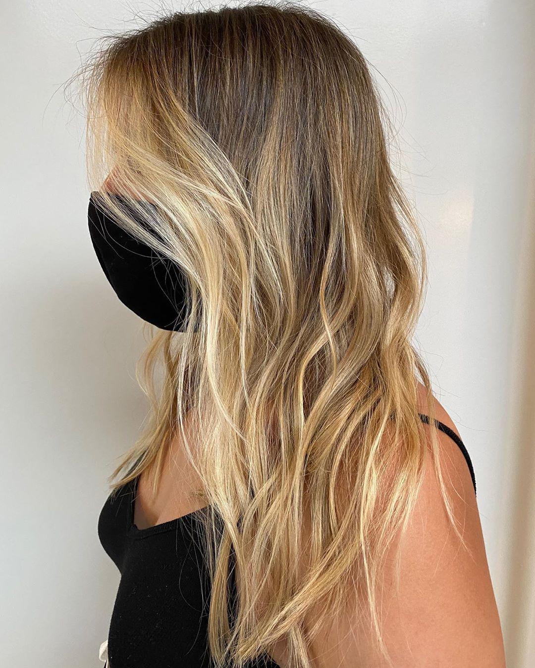 "JOHNNY RAMIREZ Colorist on Instagram: ""Lived in color  California beach kissed high lights. Hair color @johnnyramirez  Cut @kerrie.fishman   #livedincolor #johnnyramirez…"""
