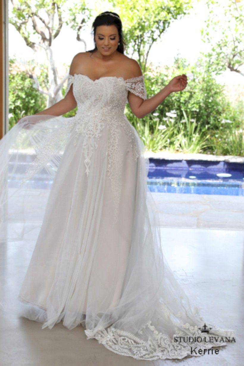 52 Beautiful Plus Size Winter Wedding Dress Ideas | Plus ...