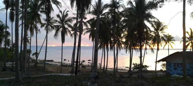 Homeschooling during a family world journey. Sunset in Camotes The Philipines. Travel Blog www.wetooktheredpill.com