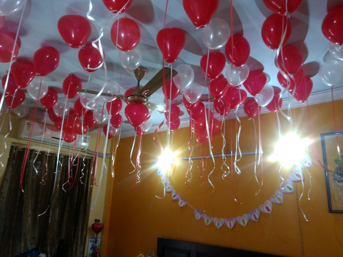 Beautiful Room Decoration For Anniversary Surprise With Red And White Heart Sha Romantic Room Decoration Birthday Room Decorations Birthday Decorations At Home